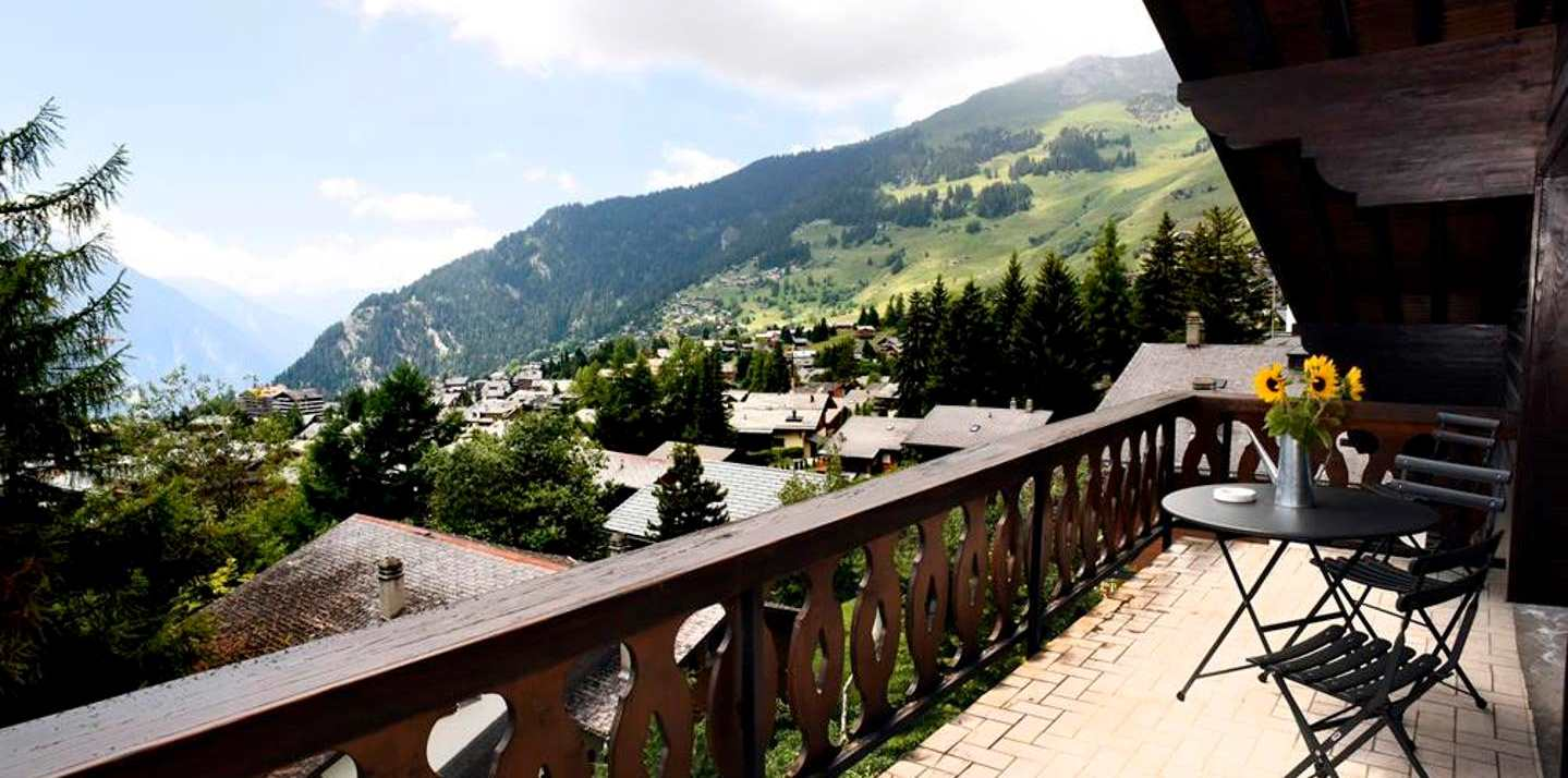 Array (     [0] => Array         (             [banner_image] => https://skiarmadillo.com/wp-content/uploads/2019/10/Ski-Armadillo-Verbier-Chalet-Loft-Balcony-View.jpg         )      [1] => Array         (             [banner_image] => https://skiarmadillo.com/wp-content/uploads/2019/10/Ski-Armadillo-Verbier-Chalet-Loft-Mezzanine-View.jpg         )      [2] => Array         (             [banner_image] => https://skiarmadillo.com/wp-content/uploads/2019/10/Ski-Armadillo-Verbier-Chalet-Loft-OpenPlanKitchen.jpg         )  )